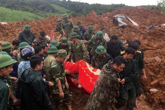 Thế giới bàng hoàng với thiên tai tại miền Trung Việt Nam