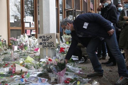 Pháp trục xuất 231 phần tử cực đoan sau vụ thầy giáo bị chặt đầu