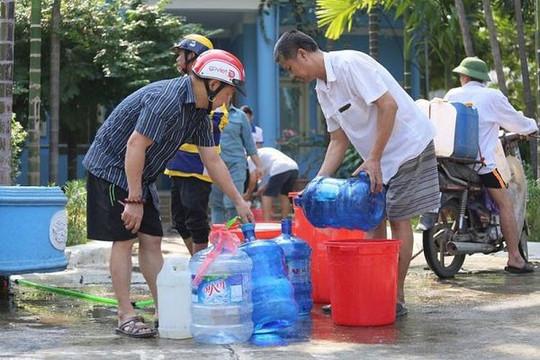 Vì sao phải điều chỉnh giá nước ở đô thị?