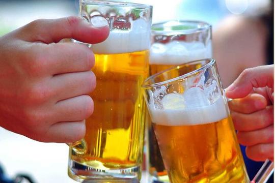 Uống 15 lon bia mỗi ngày, người đàn ông bị suy tim nặng