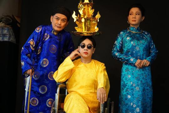 Sân khấu kịch khó khăn vẫn chung sức hướng về người dân miền Trung
