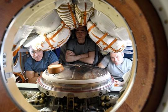 Phi hành đoàn Expedition 63 rời ISS trở về Trái đất an toàn