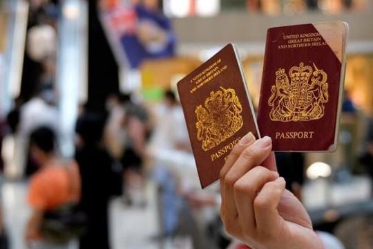 Anh xác nhận nhập quốc tịch gần 3 triệu người Hồng Kông, Trung Quốc tức tối lên tiếng