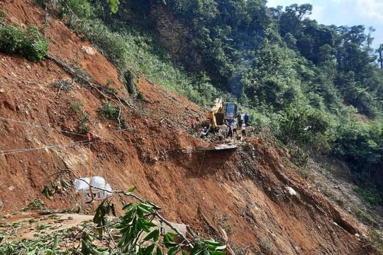 Cảnh tan hoang sau thiên tai ở 2 xã bị chia cắt của tỉnh Quảng Trị