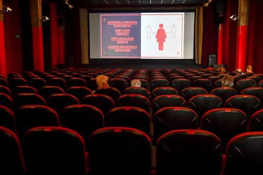 Ý đóng cửa hàng loạt rạp chiếu phim, Tây Ban Nha ban bố tình trạng khẩn cấp
