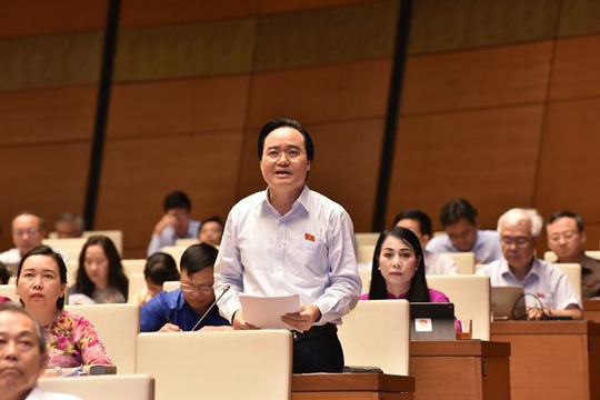 Bộ trưởng Phùng Xuân Nhạ giải trình với Quốc hội về sách giáo khoa lớp 1