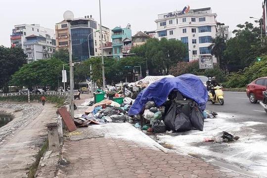 Hà Nội: Người dân chặn xe chở rác, nội thành lại ngập rác thải
