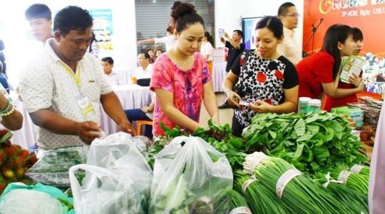 TP.HCM: Thịt heo, rau xanh tăng giá 'chóng mặt' sau mưa bão