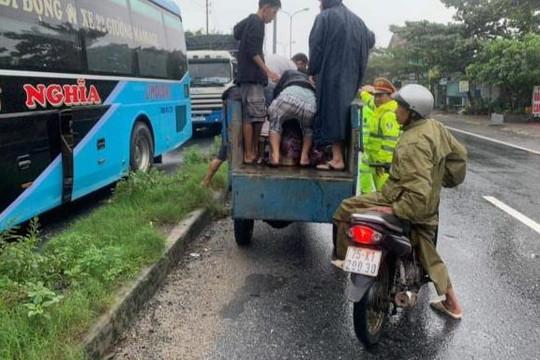 """Thừa Thiên - Huế dỡ bỏ """"lệnh giới nghiêm"""", quốc lộ 1 đã thông xe"""