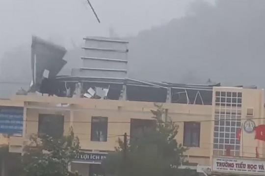 Bão số 9 tàn phá nhiều cơ sở y tế ở Quảng Ngãi