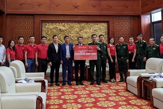 Tập đoàn BRG và ngân hàng SeABank chung tay trao tặng hơn 2 tỉ đồng ủng hộ miền Trung