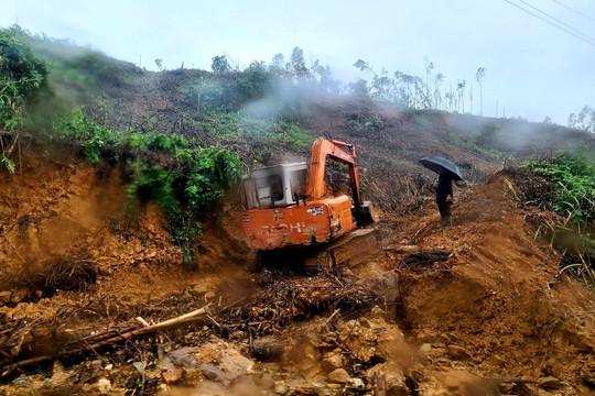 Thời tiết đổ mưa trở lại gây khó khăn công tác tìm kiếm tại xã Trà Leng