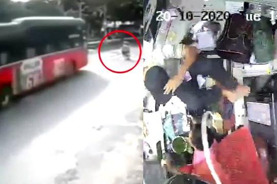 Clip xe khách phóng nhanh tông 2 mẹ con qua đường, cảnh bên trong gây rùng mình