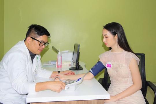 Khám nhân trắc học cho 35 thí sinh vào chung kết hoa hậu Việt Nam 2020