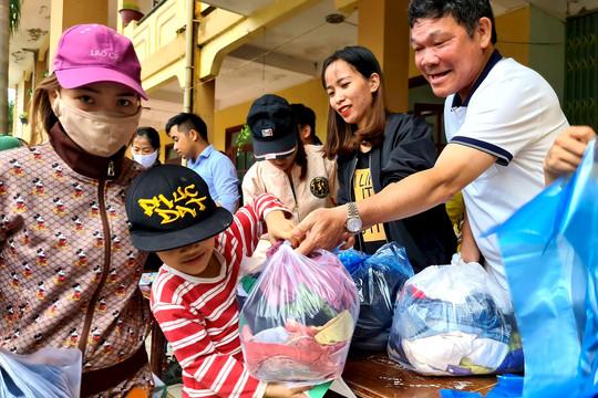 Hàng ngàn suất quà của đoàn CC1 đã đến tay người dân miền Trung
