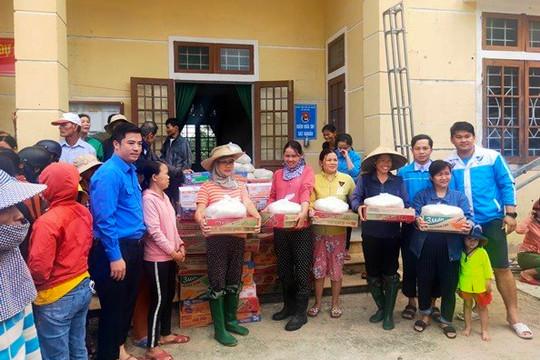 'Chuyến xe Ước mơ' của Cần Thơ 'chở' hàng chục tấn quà hỗ trợ người dân Quảng Trị