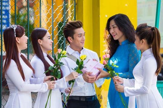Để tránh lãng phí, Sở GD-ĐT TP.HCM không nhận hoa, quà nhân ngày Nhà giáo Việt Nam
