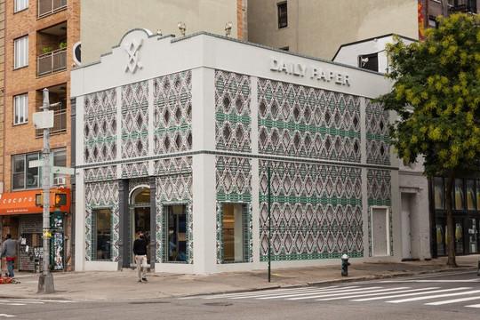 Cửa hàng thời trang dùng vỏ nhôm tái chế được nhiều báo Mỹ chú ý