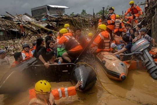 Siêu bão Vamco khiến42 người chết ở Philippines, gây gió giật cấp 16 khi vào Việt Nam