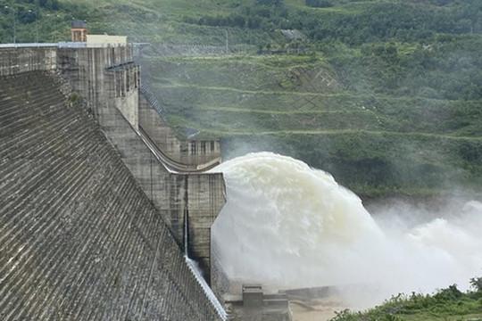Yêu cầu thủy điện Thượng Nhật dừng ngay tích trữ nước trái phép