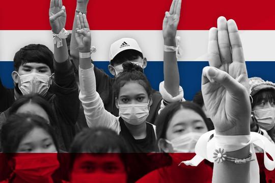 Phe bảo hoàng xuống đường phản đối người biểu tình Thái Lan, 2 phe muốn gì?