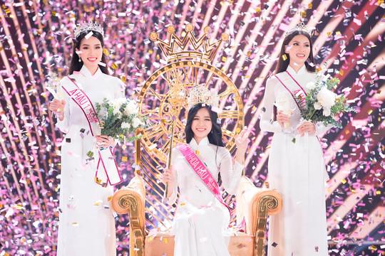 Vẻ đẹp đời thường của Hoa hậu Việt Nam 2020 chân dài 111cm