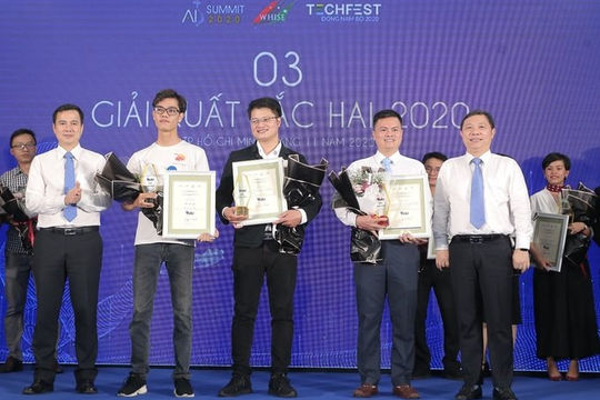 Ba dự án thắng giải Đổi mới sáng tạo ứng dụng trí tuệ nhân tạo TP.HCM