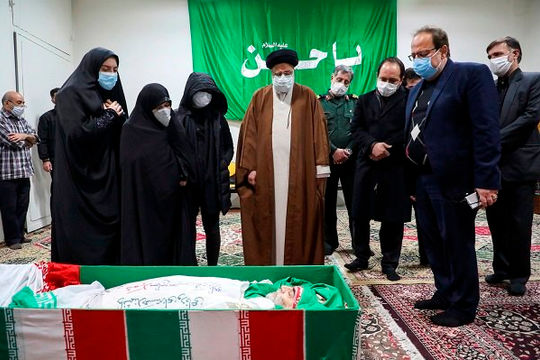 Báo Iran kêu gọi trả đũa Israel bằng quân sự