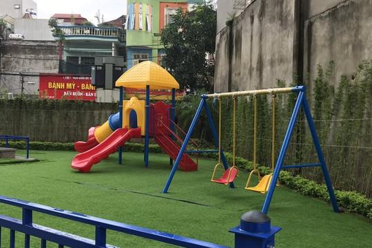 Hà Nội: Một học sinh mầm non bị tai nạn khi chơi cầu trượt tại trường
