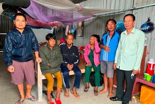 Vĩnh Long: Dựng nhà nuôi hàng chục bệnh nhân chạy thận