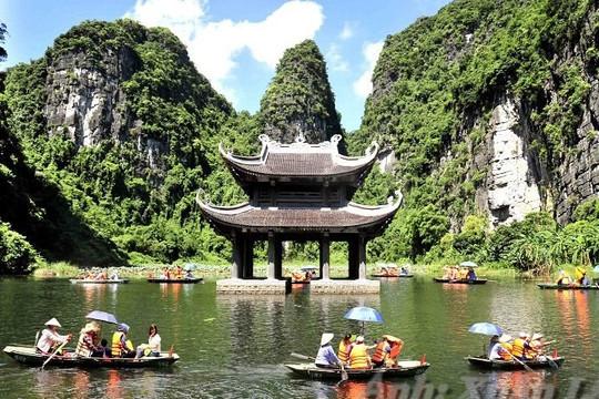 Ninh Bình dừng đón du khách đến từ TP.HCM