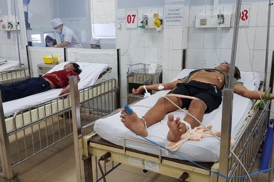 Cấp cứu 4 ngư dân bị ngạt khí hầm cá trên đảo Thổ Châu