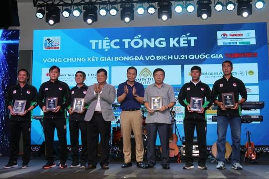 Gala bóng đá U.21 Thanh Niên sôi động trước chung kết