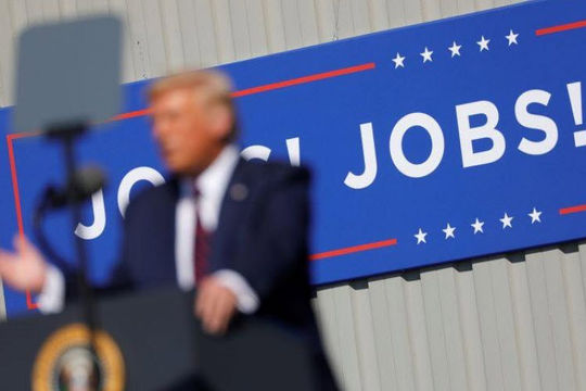 Ông Trump từ chối ký dự luật viện trợ vì chê ít, 14 triệu người phải chờ trợ cấp thất nghiệp