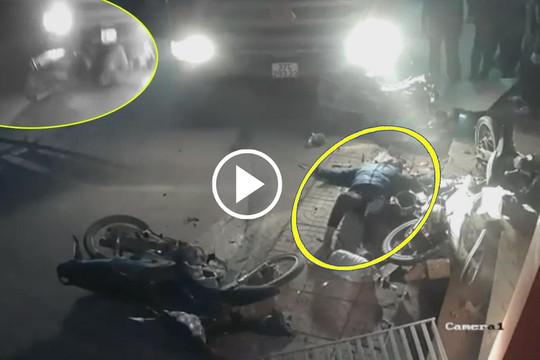 Clip xe ben nổ lốp tông liên tiếp 3 xe máy, người phụ nữ bị cuốn vào gầm