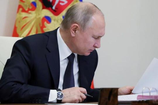 'Tổng thống Putin vẫn chưa tiêm vắc xin Sputnik V ngừa COVID-19'