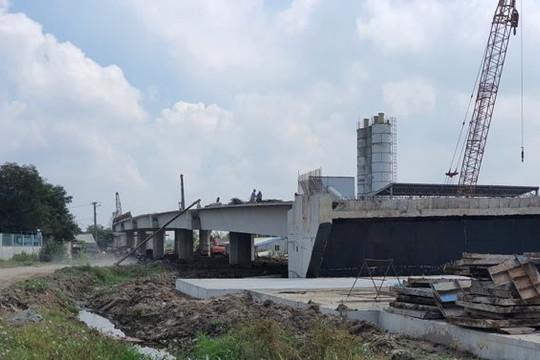 Doanh nghiệp tố các nhà thầu phụ thi công cao tốc Trung Lương- Mỹ Thuận quỵt nợ