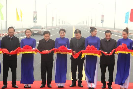 Thông xe cầu Thăng Long sau 4 tháng sửa chữa