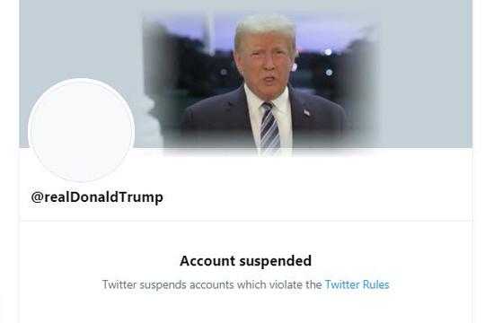Twitter đình chỉ vĩnh viễn tài khoản Trump, cổ phiếu lao dốc