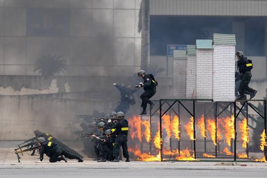 Hơn 6.000 chiến sĩ Bộ Công an, Bộ Quốc phòng xuất quân bảo vệ Đại hội Đảng