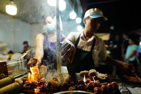 Văn hóa ẩm thực đường phố Việt - di sản tiềm ẩn?