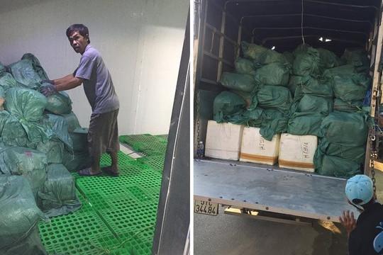 TP.HCM: Tiêu hủy hơn 5,5 tấn thực phẩm không rõ nguồn gốc phục vụ Tết