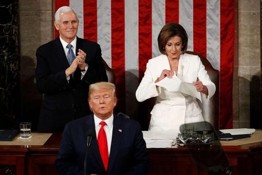 Hạ viện Mỹ thông qua nghị quyết kêu gọi phế truất Tổng thống Donald Trump