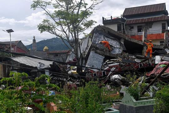 Động đất kinh hoàng khiến 78 người chết, 820 bị thương, 27.800 rời bỏ nhà