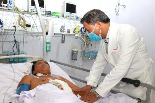 Cứu sống bệnh nhân bị dập nội tạng, ứ 3.000 ml máu trong ổ bụng