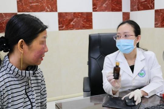 Phụ nữ ồ ạt đến bác sĩ cầu cứu vì làm trắng da đón Tết