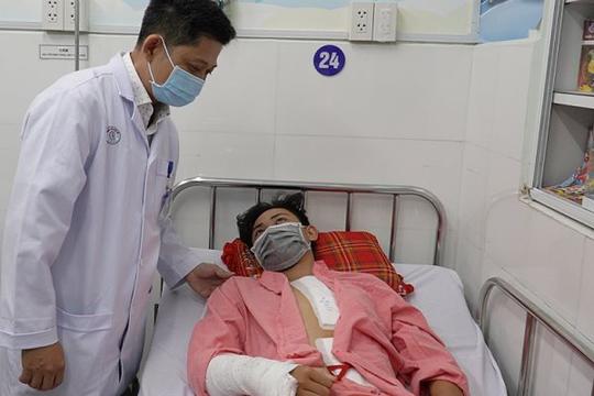 Hy hữu: Bé trai bị vỡ eo động mạch chủ nhưng không chảy máu ra màng phổi