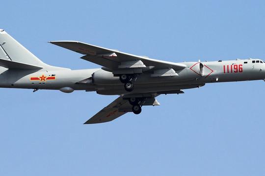 Thấy 8 máy bay ném bom hạt nhân và 4 chiến đấu cơ  Trung Quốc áp sát, Đài Loan triển khai tên lửa