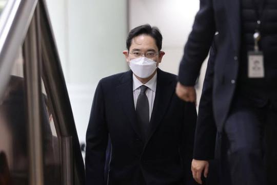 Doanh nhân quyền lực nhất Hàn Quốc không kháng cáo, chấp nhận đi tù 2 năm rưỡi