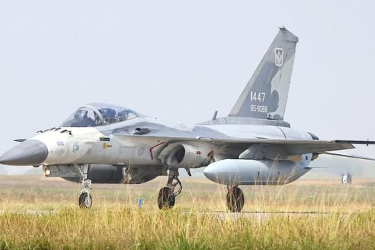 Máy bay Đài Loan tập trận mô phỏng kịch bản chiến tranh sau đe dọa từ Trung Quốc